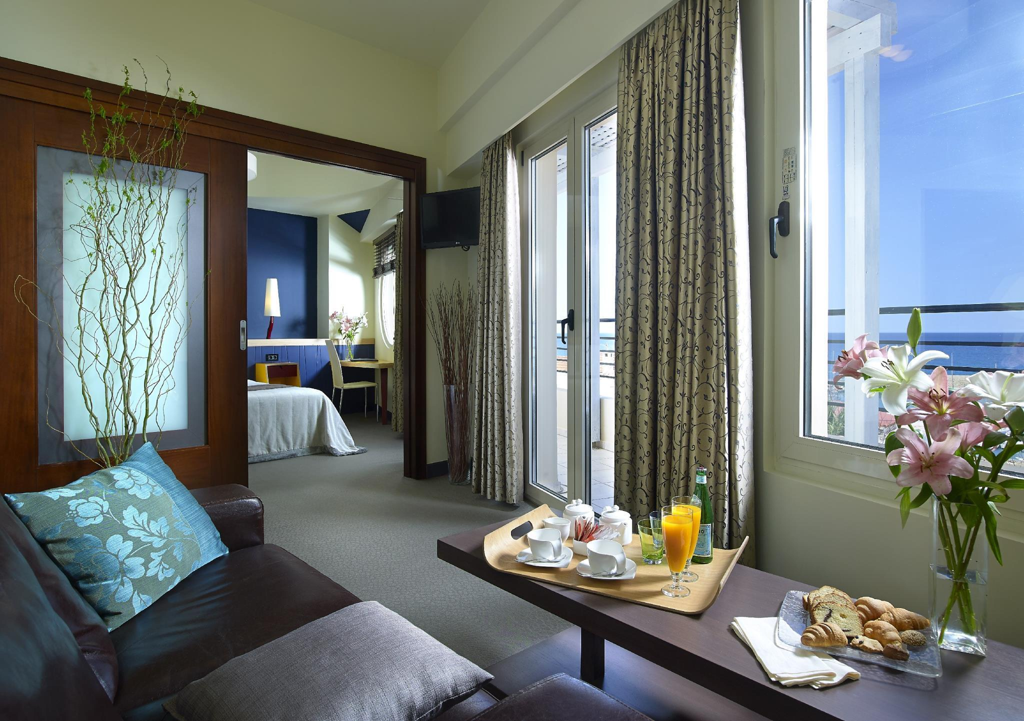 Junior Suite dengan Pemandangan  (Junior Suite with View)
