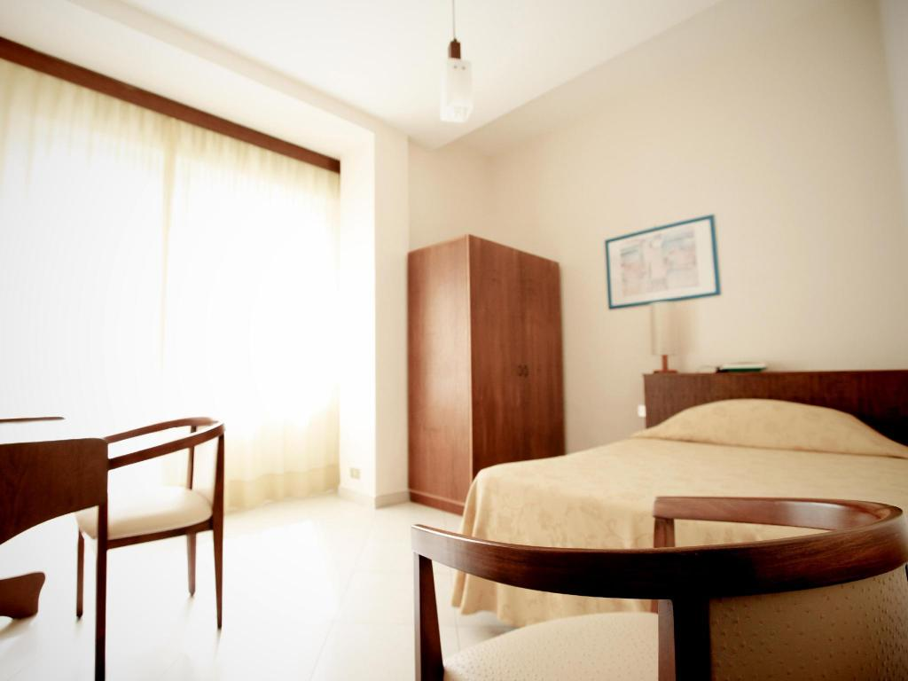Single Room - Guestroom Hotel Continental