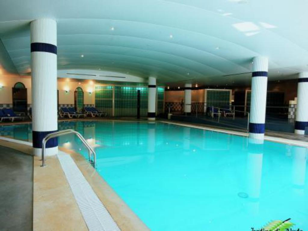 Swimming pool Suite Hotel Jardins Da Ajuda