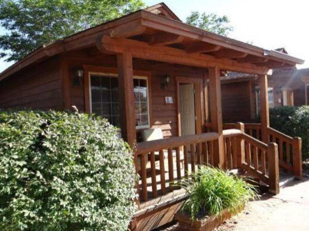Desert Rose Inn & Cabins in Bluff (UT) - Room Deals, Photos & Reviews