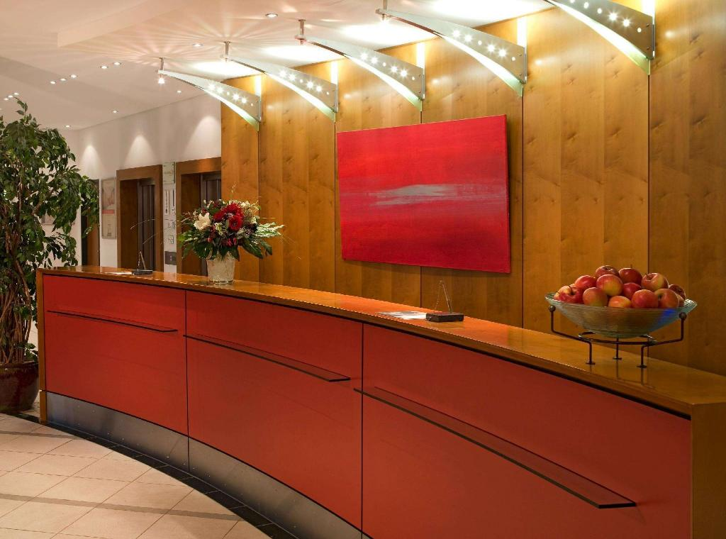 intercityhotel n rnberg in nuremberg room deals photos reviews. Black Bedroom Furniture Sets. Home Design Ideas
