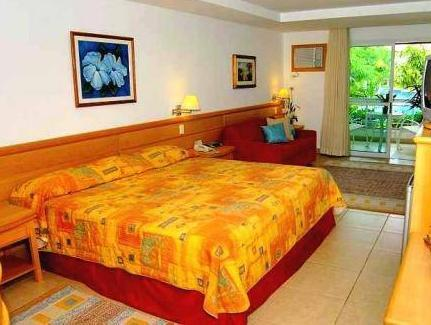 Chambre Double de Luxe avec Vue sur la Piscine (Luxury Double Room with Pool View)