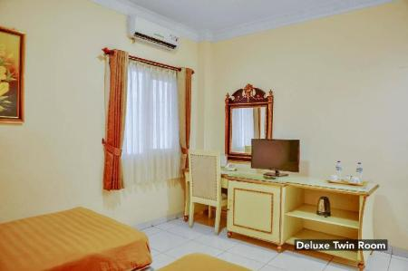 Deluxe Twin Narapati Indah Syariah Boutique Hotel and Convention