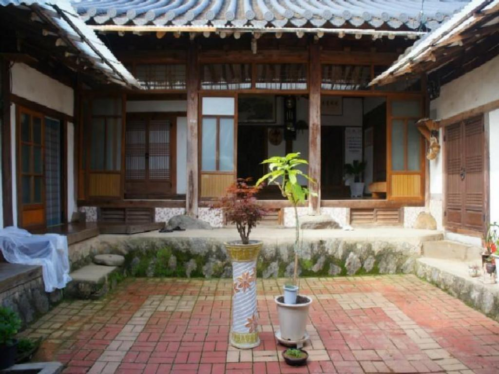 Interior view Chilgyejae Hanok Guesthouse
