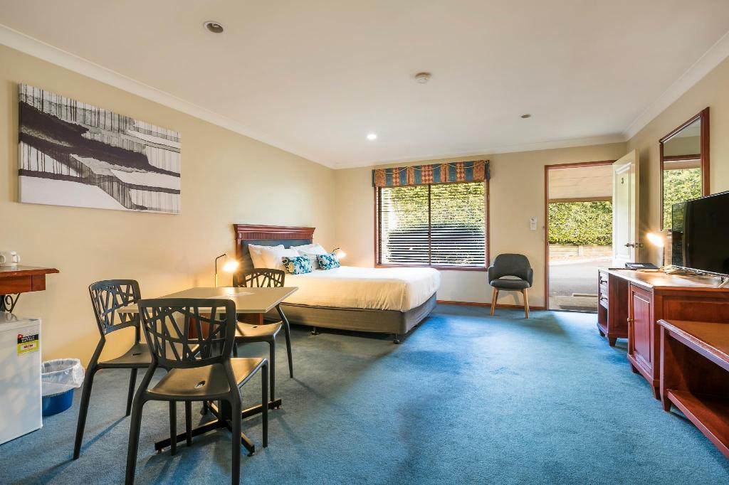 Studio Family - Bedroom Nightcap at Federal Hotel Toowoomba