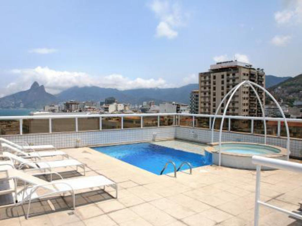 Swimming pool Atlantis Copacabana Hotel