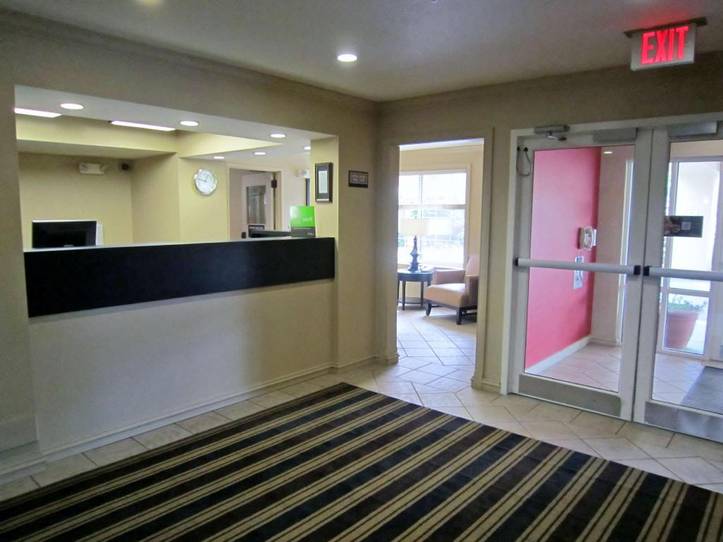 Lobby Extended Stay America Boston Burlington