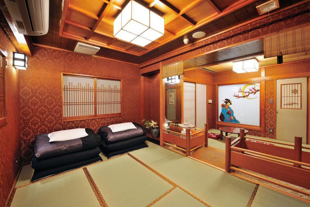Japanese Deluxe Room Non-Smoking - Guestroom