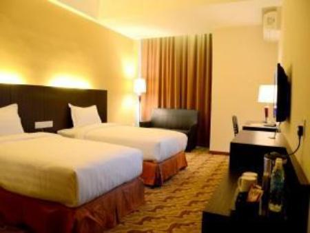 Superior Twin - Guestroom Eminent Hotel