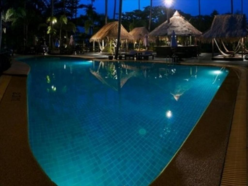 Swimming pool Nirvana Resort