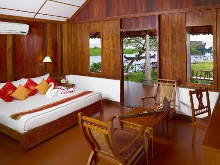Lake View Room - Bed Backwater Ripples Kumarakom