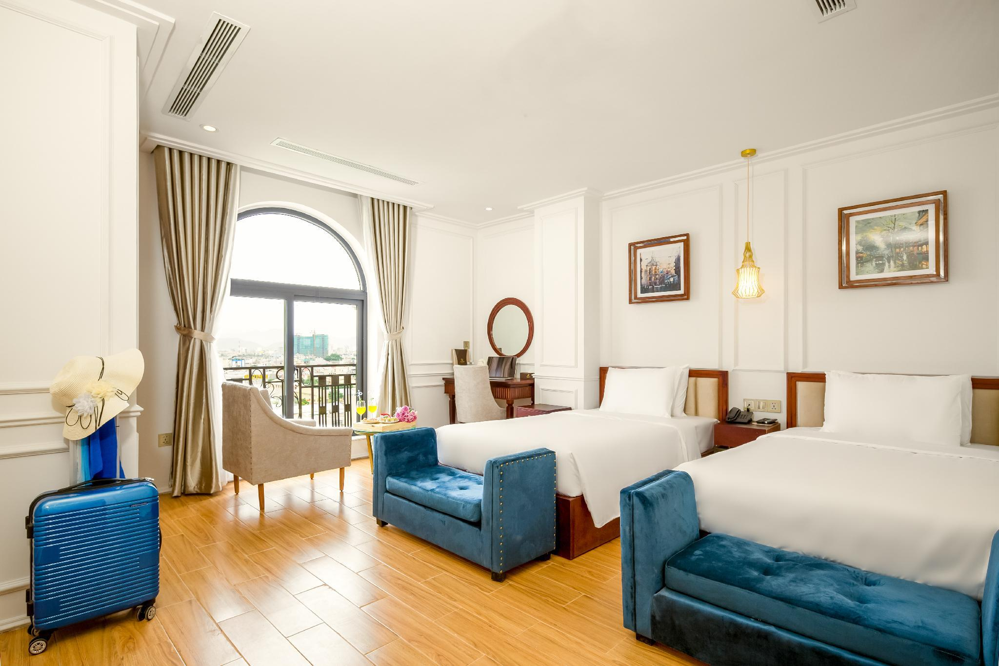 Deluxe 2 giường Hướng phố (Deluxe Twin City View)