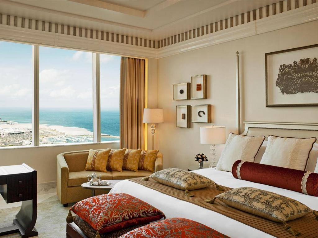 Superior Rooms - Guestroom The St. Regis Abu Dhabi