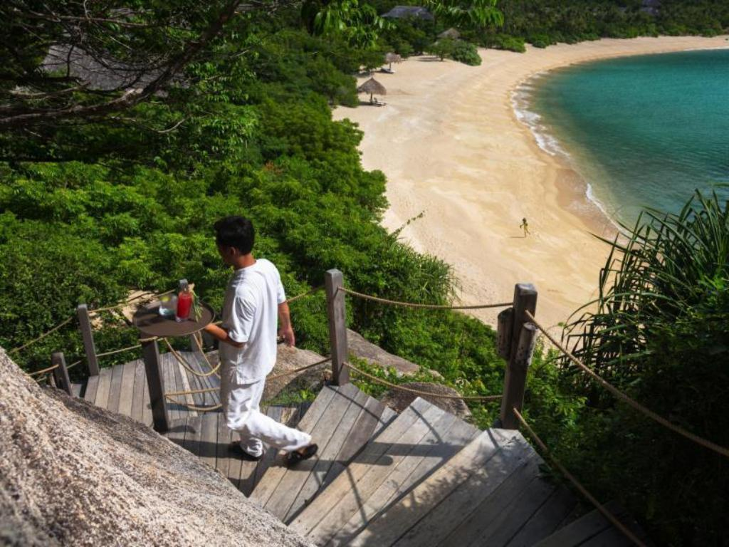 Пляж Six Senses Ninh Van Bay