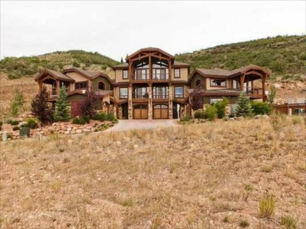 Canyon Resort Luxury Townhomes by Utopian in Park City (UT