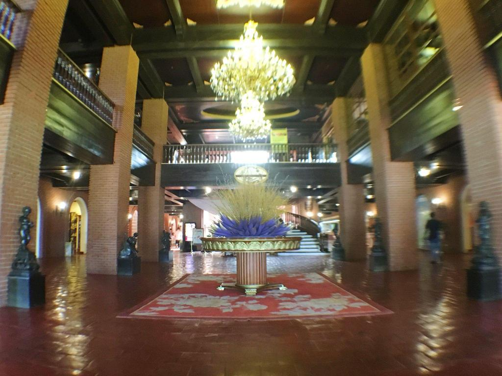 Lobby Fort Ilocandia Resort Hotel
