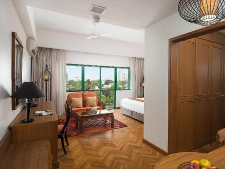 One Bedroom King Bed - Bedroom Mercure Yangon Kaba Aye
