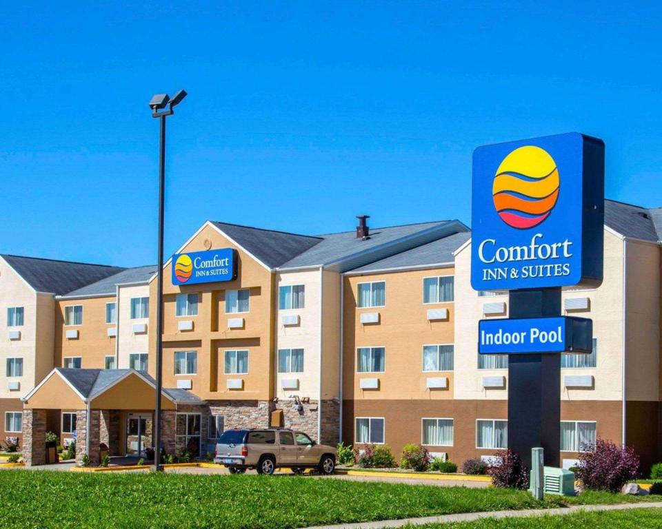Comfort Inn Suites Coralville Ia From 67 Save On Agoda