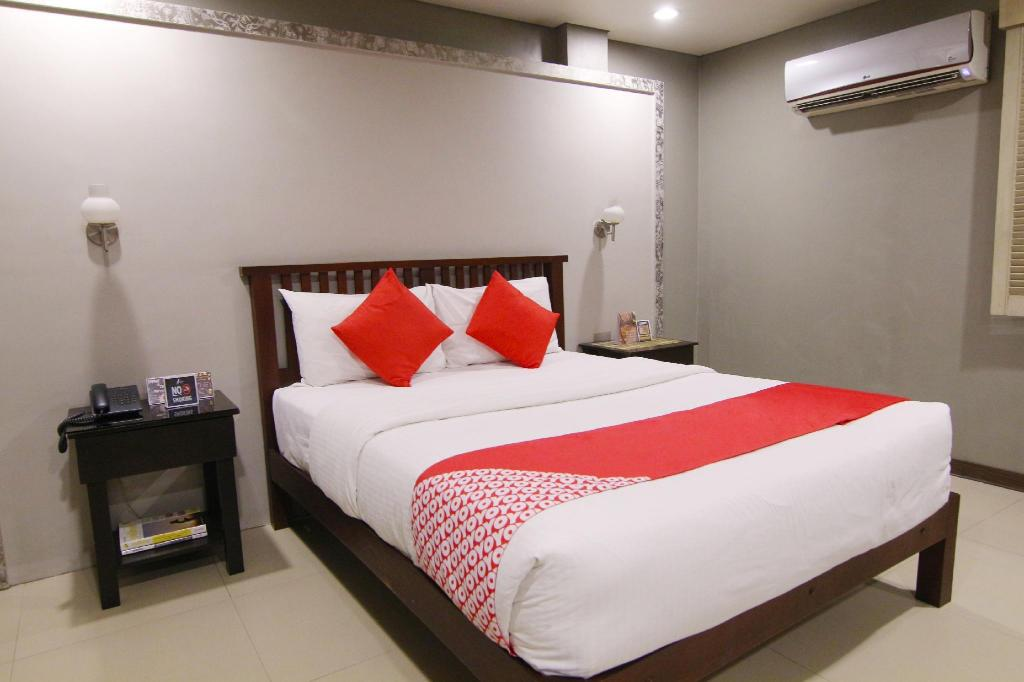 More about OYO 103 Artina Suites Hotel