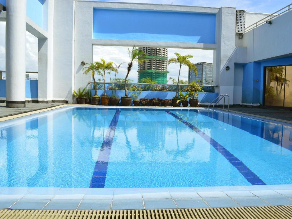 Swimming pool Prince Plaza II Condotel