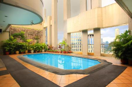 Swimming pool BSA Suites Makati