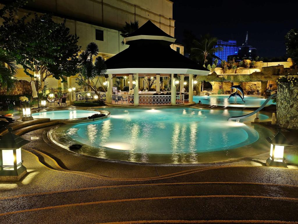 Best price on waterfront cebu city hotel and casino in - Hotels in cebu with swimming pool ...