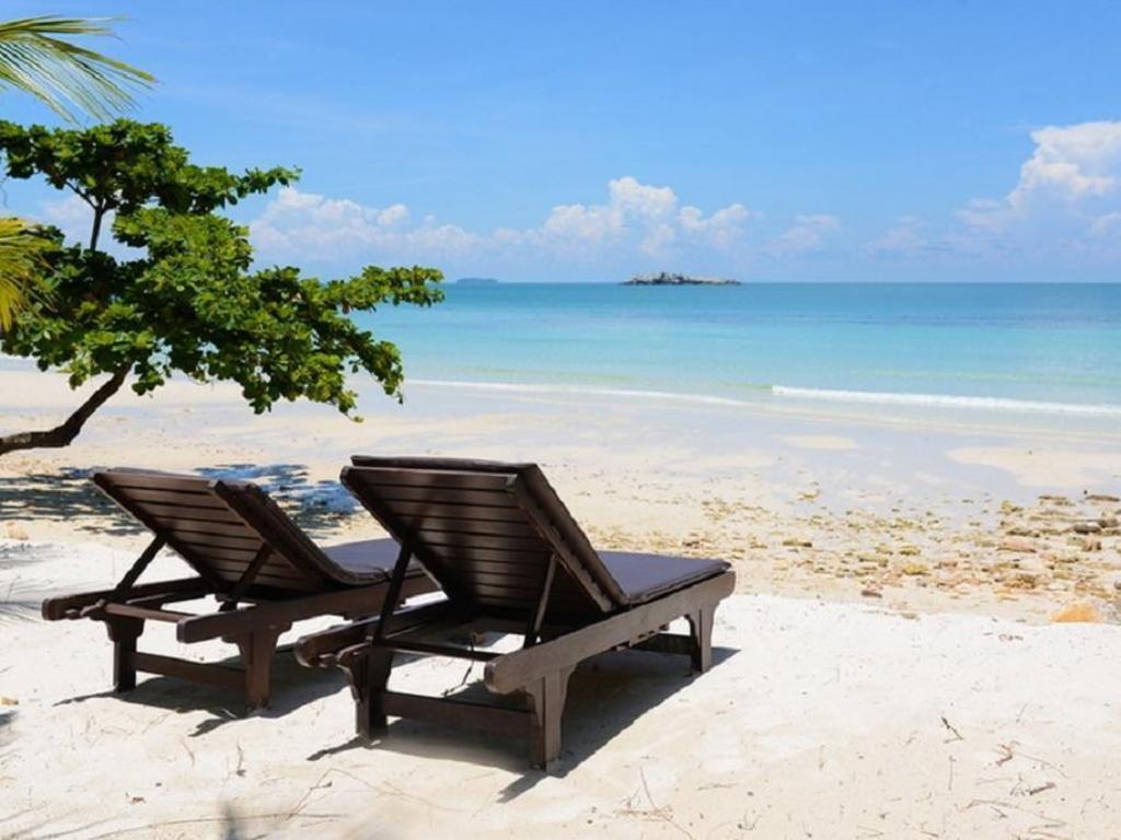 Beach Paradee Resort