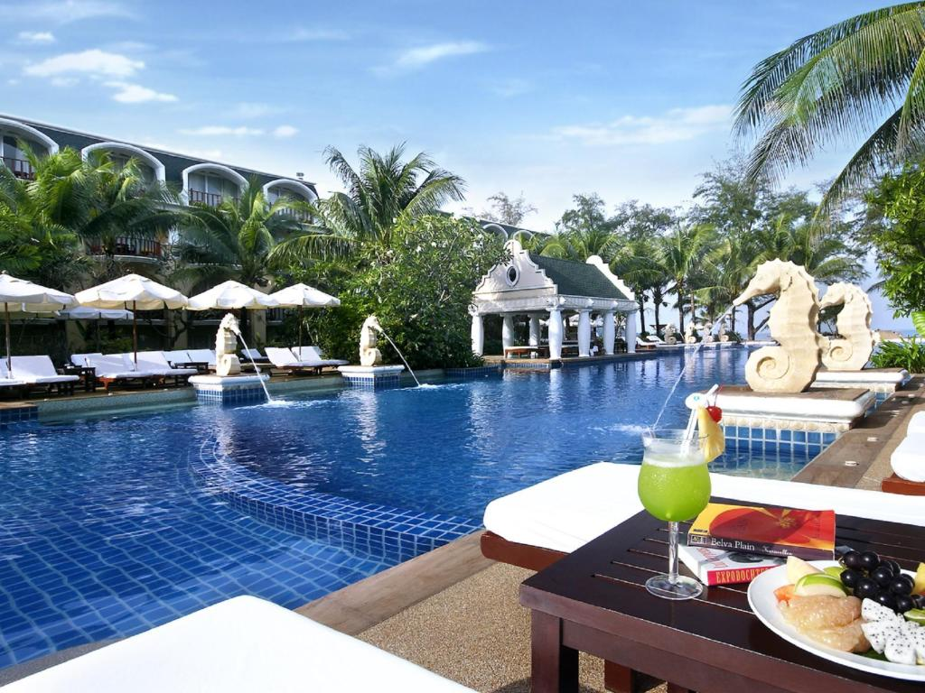 Бассейн  Phuket Graceland Resort & Spa