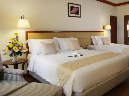 Deluxe - Bed Phuket Graceland Resort & Spa