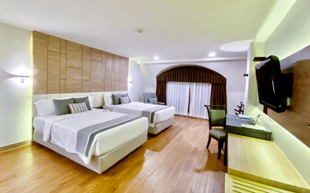 Rum Standard Phuket Graceland Resort & Spa (SHA Certified)