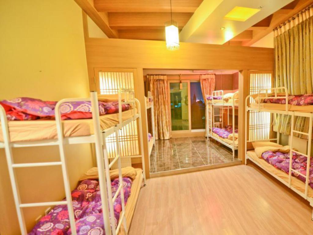 10-Bed Dormitory -- Mixed - Bed Kimchee Gangnam Guesthouse