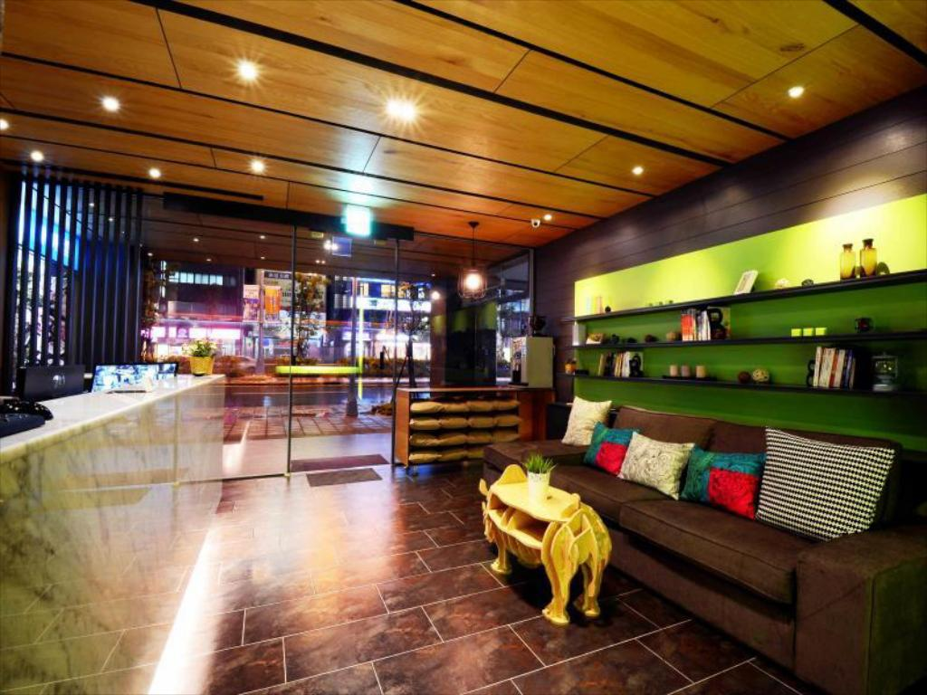 Ark Wood Elevator ark hotel - dongmen in taipei - room deals, photos & reviews