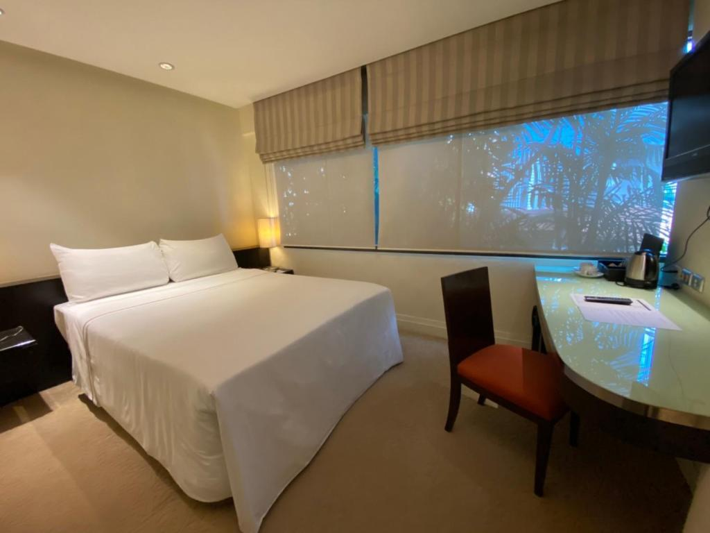 Standard with 1 Double Bed - Bed Siri Sathorn Bangkok by UHG