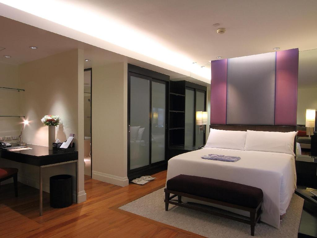 Junior Suite - Bedroom Siri Sathorn Bangkok by UHG