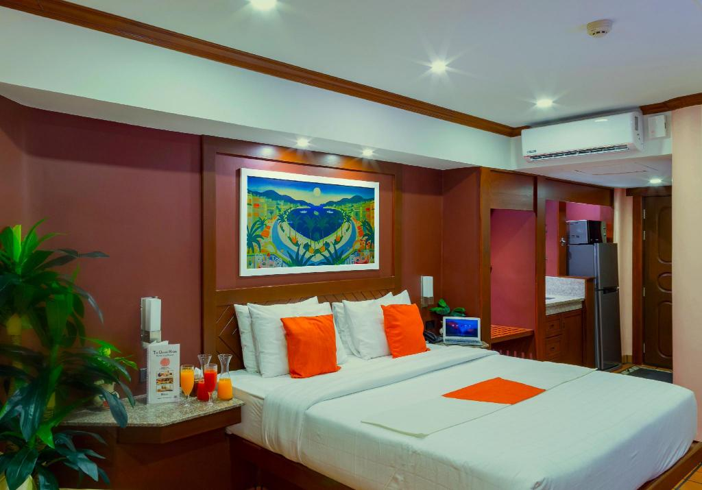 Deluxe - Breakfast & Free Wi-Fi - Guestroom Pacific Club Resort