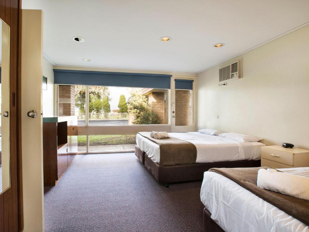 Gateway Hotel in Geelong - Room Deals, Photos & Reviews