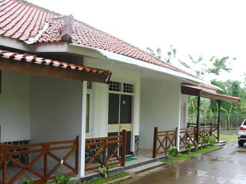 hotel new ayuda 2 in puncak room deals photos reviews rh agoda com