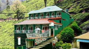 The Green Carpet Hotel