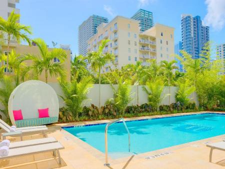 Swimming pool Aloft Miami - Brickell