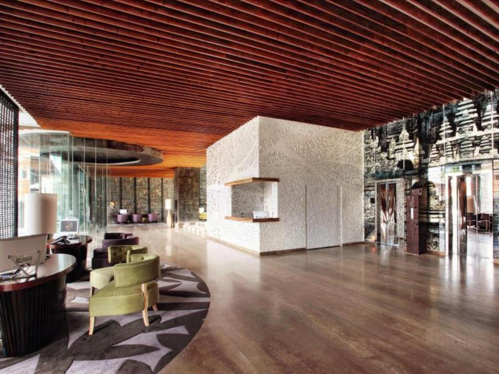 Lobby TS Suites Bali and Villas