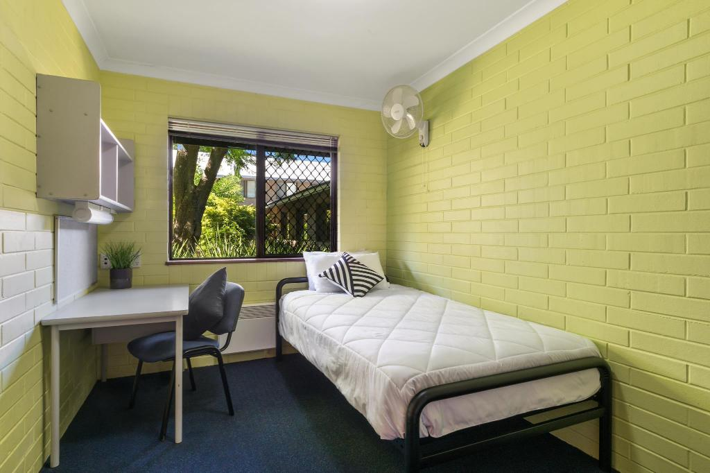 Single Room with Shared Bathroom - Guestroom ECU Village Mount Lawley