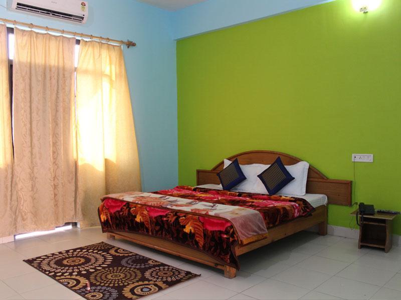 Hotel Greenwood, Bhimtal, Nainital, India - Photos, Room Rates