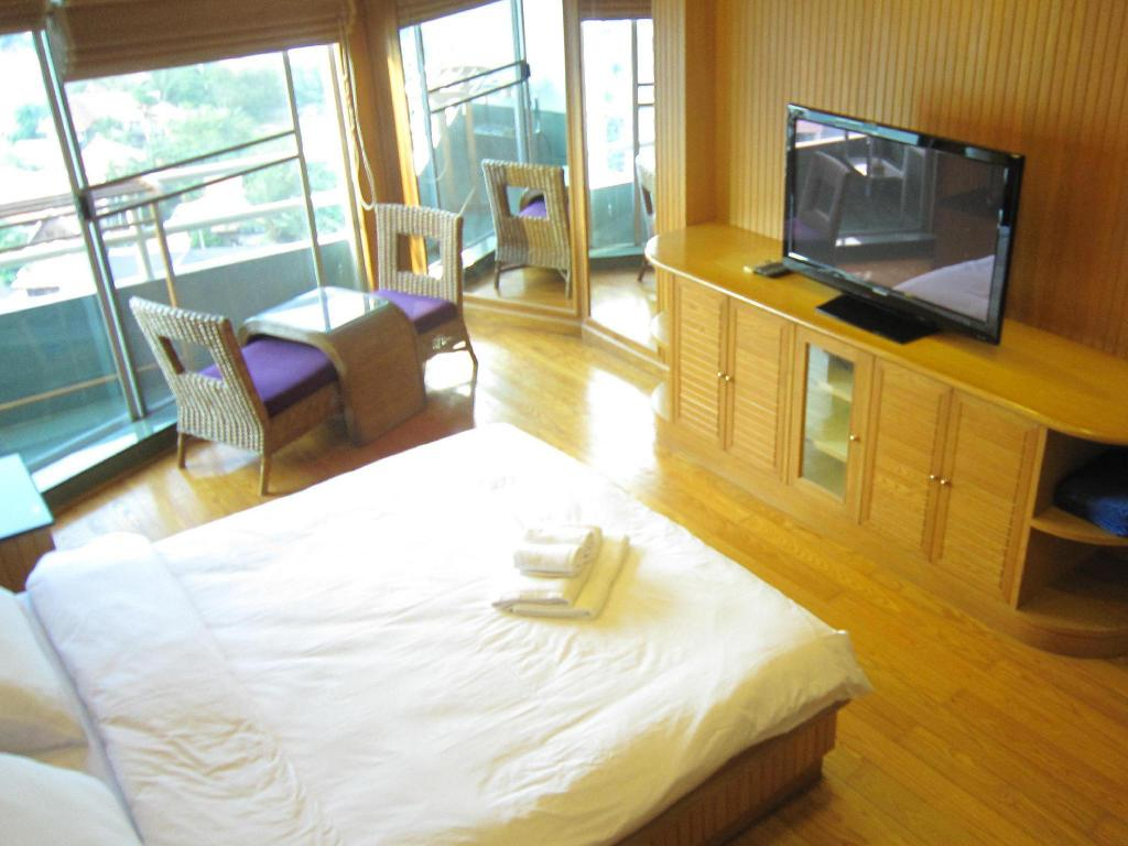 Все фотографии: 21 View Talay 1 by Pete Serviced Apartment