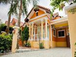 Budsaba 3 bedroom Villa by Pete Serviced