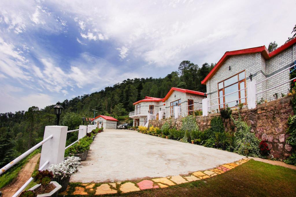 Hotel building Village Live In Resort Chail