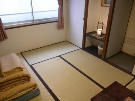 Japanese Style Single Room with Shared Bathroom - Bed J-Hoppers Hiroshima Guesthouse