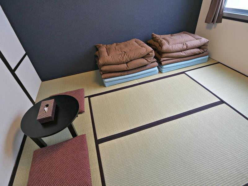 Japanese Style Twin with Shared Bathroom