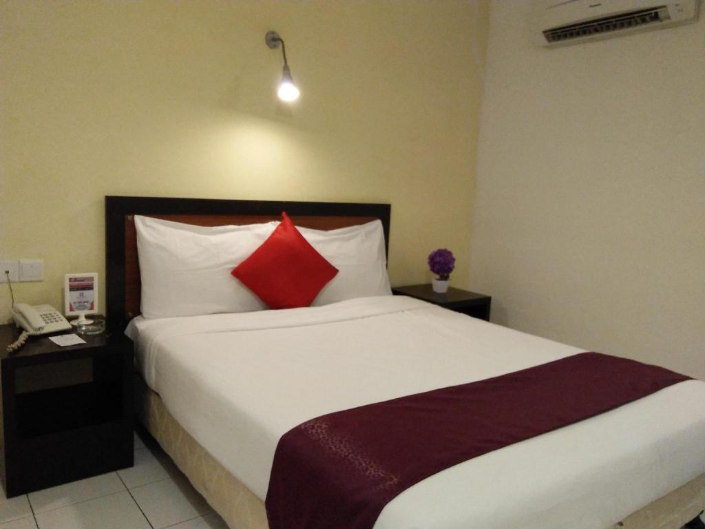 Superior King Room without Window Koptown Hotel Segamat