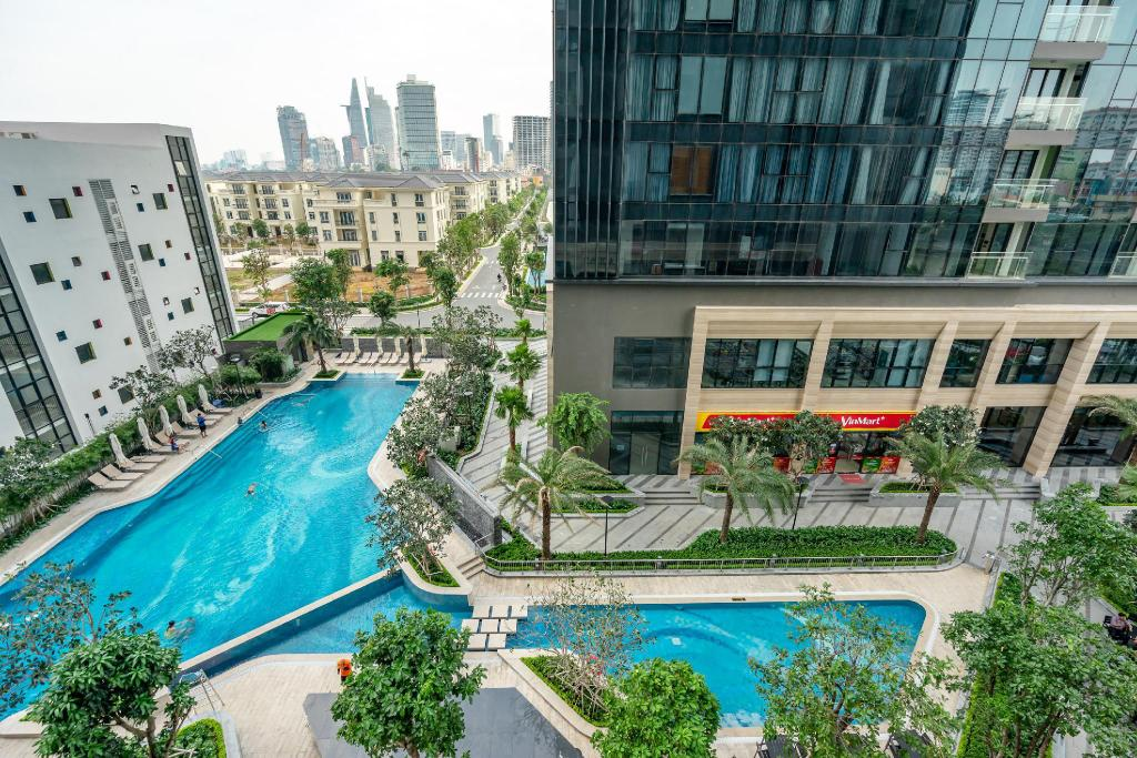 bazen [vanjski] 73m² 2 spavaća soba, 2 privatna kupaonica  u District 1