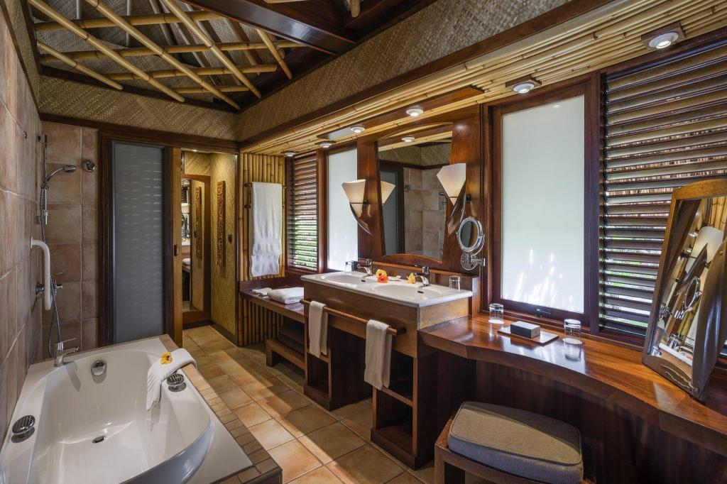 Intercontinental Bora Bora Le Moana Resort In Bora Bora